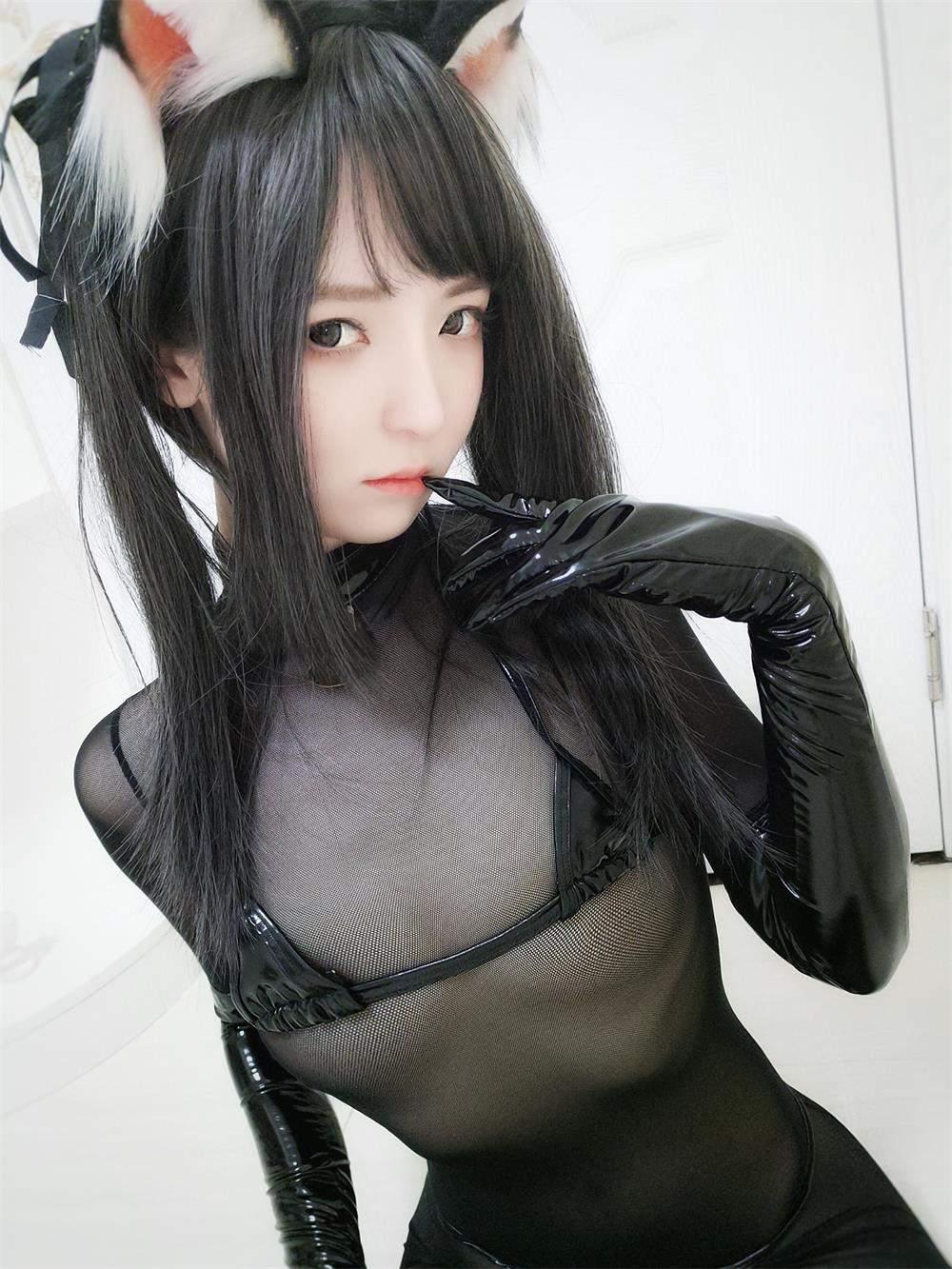 一小央泽 黑猫巧克力派+黑修女