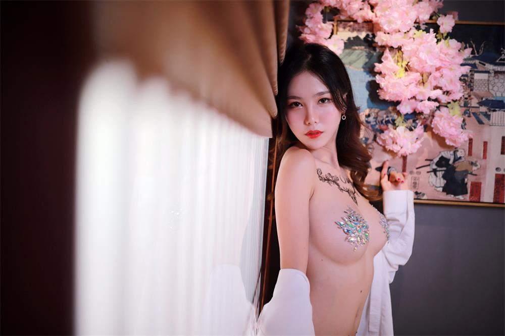微博网红:抖娘-利世  钻